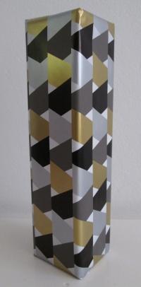 Cadeaupapier grafisch zwart /goud/zilver 50cmx100mtr.